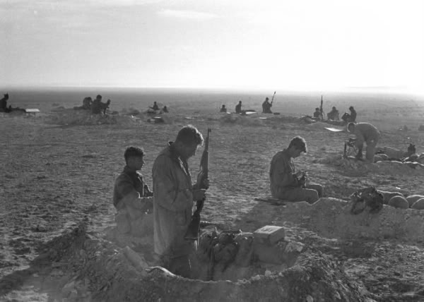 Israeli_troops_in_sinai_war