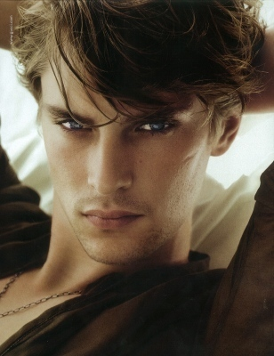 Mathias-Lauridsen-male-models-18081920-308-400