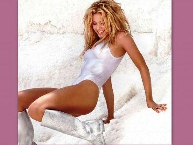 Έτσι φωτογραφήθηκε η Shakira για το εξώφυλλο του νέου cd της!