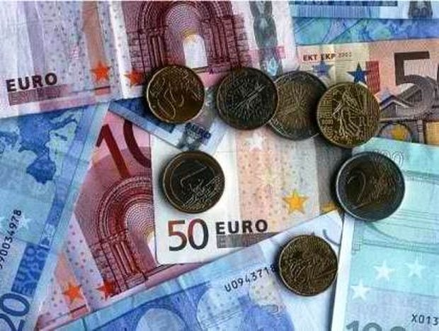 """Οι τράπεζες """"κόβουν"""" το 30% οφειλών σε δάνεια και πιστωτικές κάρτες"""
