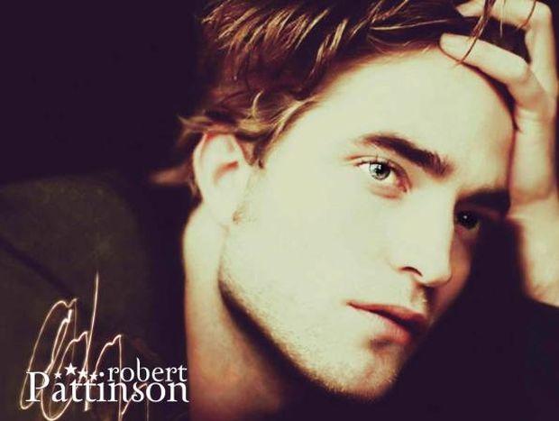H βασιλική πλευρά του Robert Pattinson