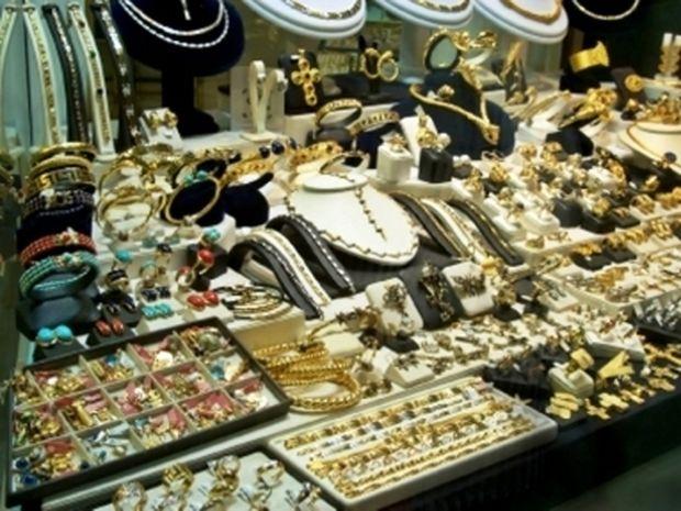 Έκλεβαν κοσμήματα και τα πωλούσαν σε κοσμηματοπωλείο!