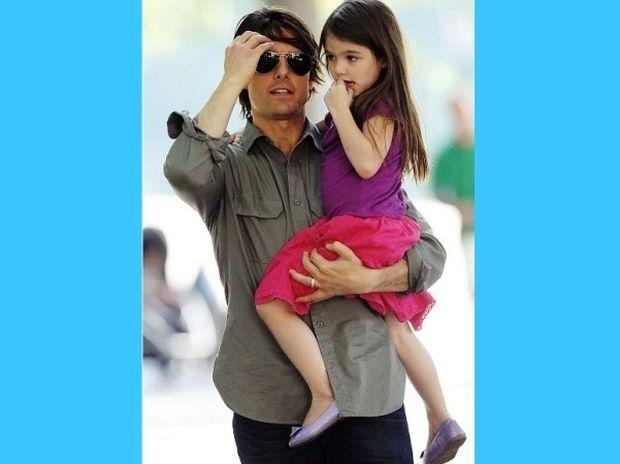 Τα παπούτσια της κόρης του Tom Cruise κοστίζουν μια περιουσία!