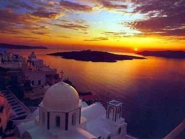 Ομορφότερο νησί στον κόσμο η Σαντορίνη