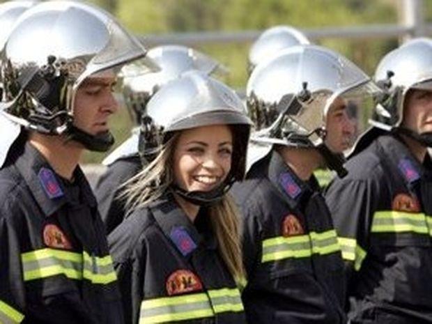 Ζητούνται 4.000 νέοι πυροσβέστες