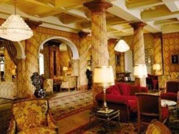 Πόσο κοστίζει μία βραδιά στο ξενοδοχείο των Νιάρχων;