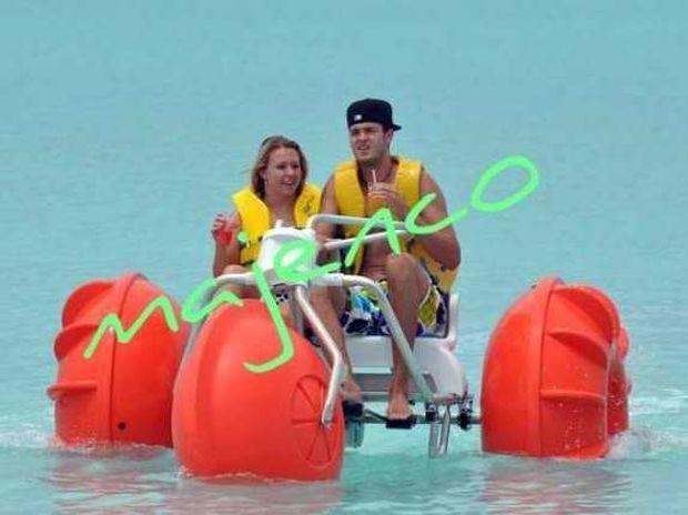 Pat Calathes holidays in the Bahamas ...
