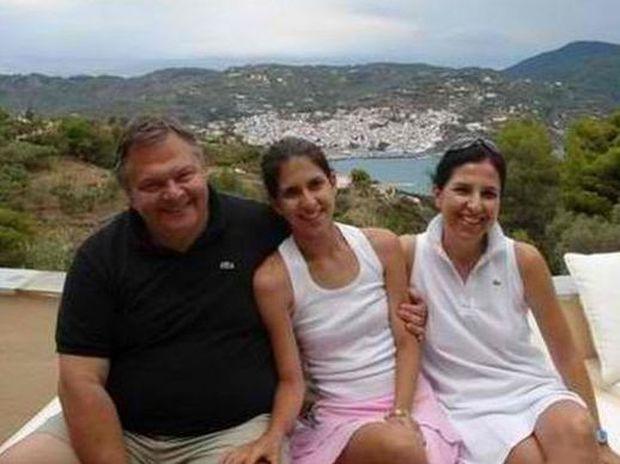 Φωτό από τις ξέγνοιαστες οικογενειακές στιγμές του Βενιζέλου στην Σκόπελο