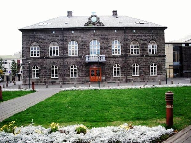Η άμεση δημοκρατία αντεπιτίθεται-Το φαινόμενο της Ισλανδίας