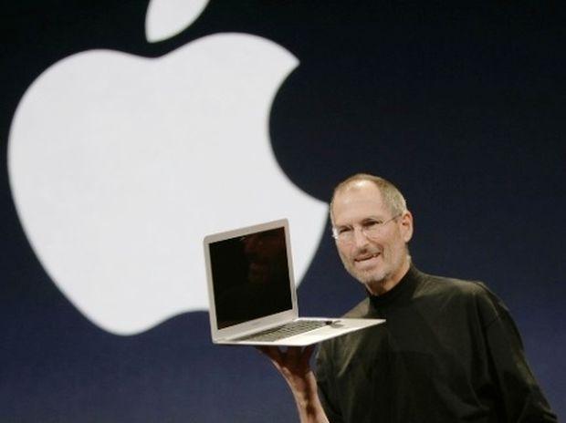 Παραιτήθηκε ο Στιβ Τζομπς από το τιμόνι της Apple