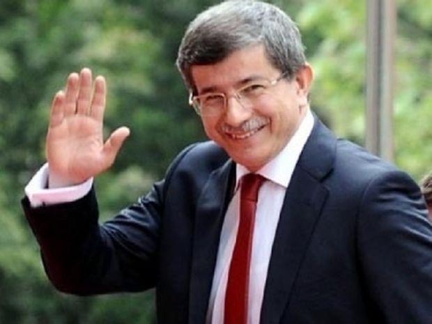 Νταβούτογλου: Δώστε πίσω τα ακίνητα των οθωμανικών ιδρυμάτων