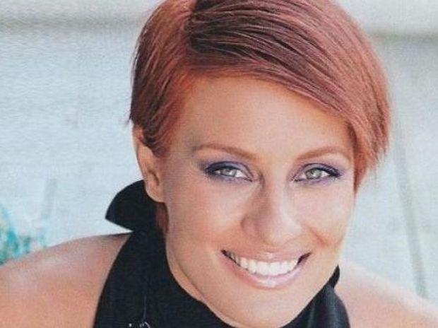 Video: Καρέ-καρέ όλες οι αλλαγές που έχει κάνει η Ελονώρα Μελέτη στα μαλλιά της
