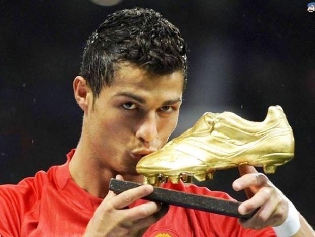 """Ρονάλντο: «Με """"πολεμούν"""" επειδή είμαι όμορφος, πλούσιος και καλός παίκτης»"""