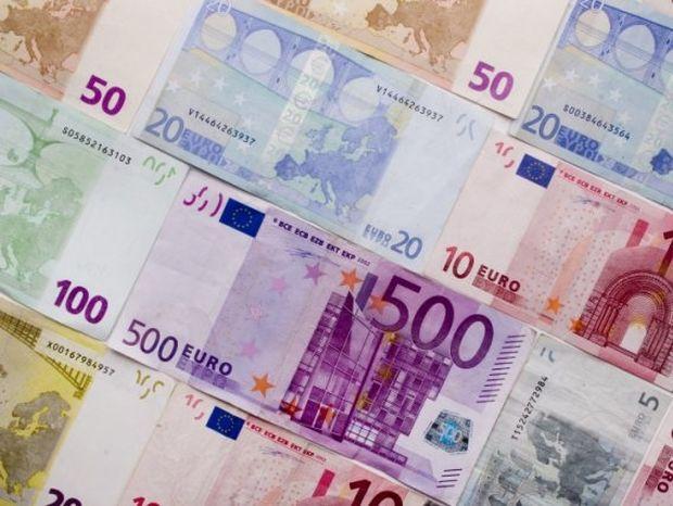 Μείωση του αφορολόγητου - Μαχαίρι στις φοροαπαλλαγές
