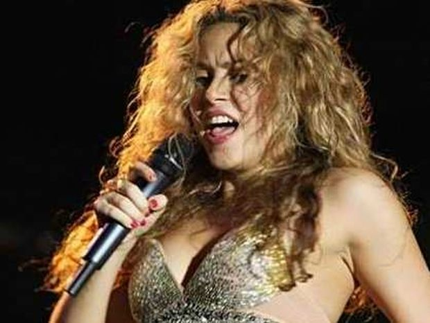 Πόσα χρήματα θα δίνατε για να δειπνήσετε με τη Shakira;
