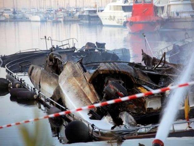 Μεγάλες καταστροφές από τις φωτιές στα σκάφη στη Μαρίνα Αλίμου