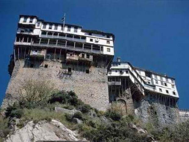 Άγιο Όρος: Οι μοναχοί θέλουν φορολογική ασυλία