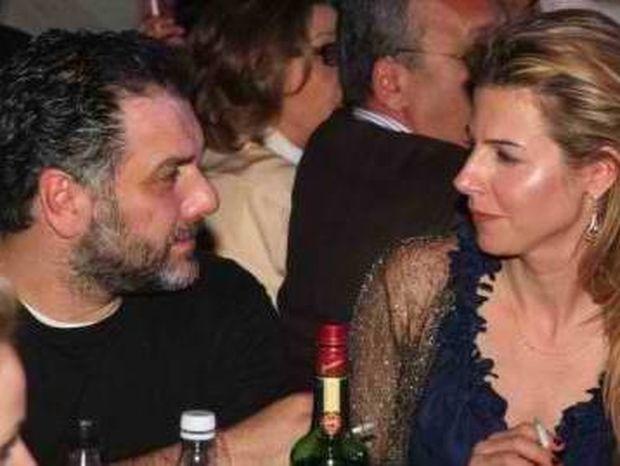 Γ. Αρναούτογλου: Ζητείται νύφη, ξανθιά, καλής οικογενείας
