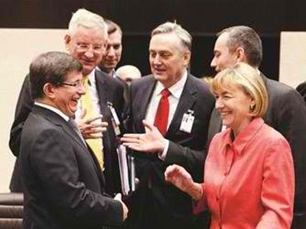 «Προβοκάρει» η Τουρκία την Ελλάδα για το θέμα των Σκοπίων