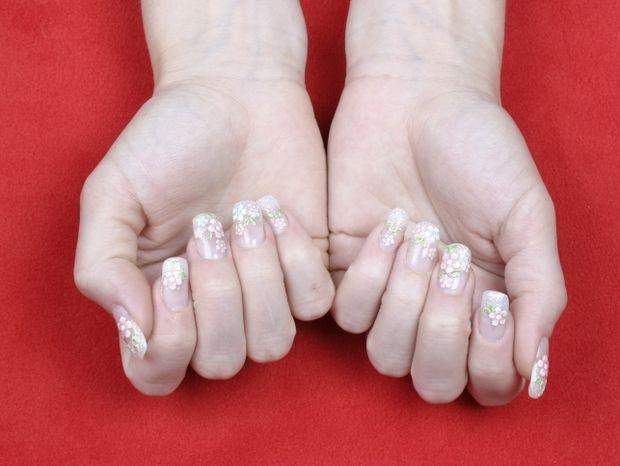 Star Stylist 15 Μαΐου - Διαλέξτε γαλλικό μανικιούρ με ροζ και άσπρο