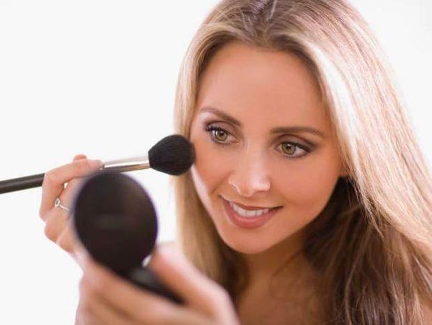 Star Stylist 17 Μαΐου - Επιλέξτε μακιγιάζ με ζωηρές αποχρώσεις