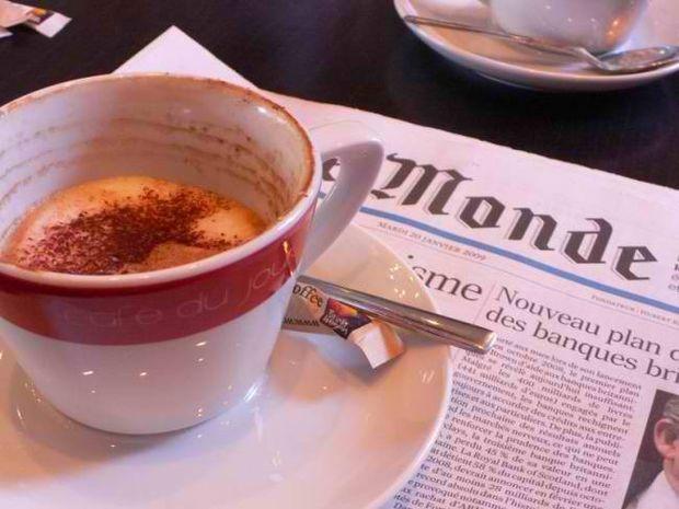 Le Monde: Αναλάβετε δράση, πριν η Ελλάδα μας παρασύρει στο γκρεμό!