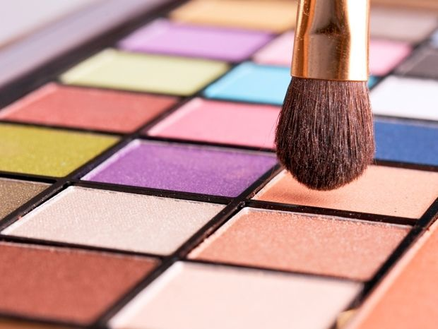 Star Stylist 4 Ιουνίου - Διαλέξτε περίεργα ή έντονα χρώματα για το μακιγιάζ σας