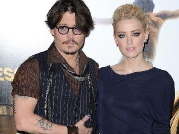 Johnny Depp: Πώς να κάνετε μία bisexual, straight!
