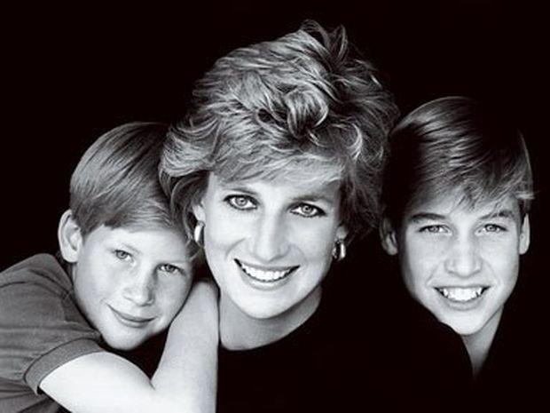 Diana: Η ζωή της πριγκίπισσας που σημάδεψε μία ολόκληρη εποχή