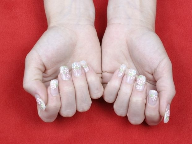 Star Stylist 3 Σεπτεμβρίου -  Zωηρά χρώματα και σχέδια στα νύχια