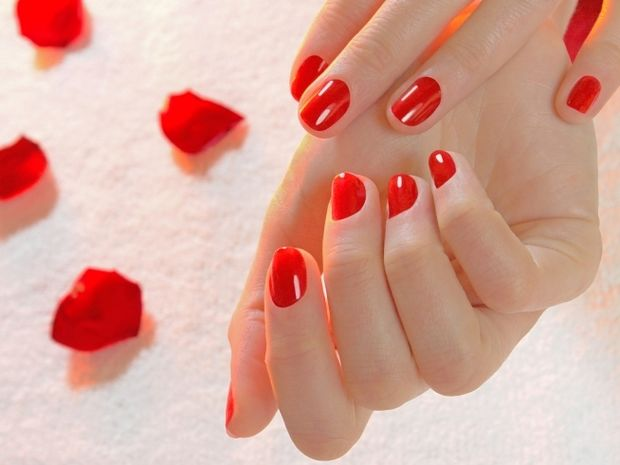 Star Stylist 13 Σεπτεμβρίου - Βάψτε τα νύχια σας με έντονα χρώματα