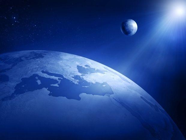 Οι χρησμοί της Νέας Σελήνης για την Ελλάδα: Δυνατά, πιο δυνατά!