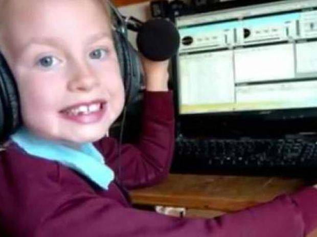 Αυτή είναι η πιο μικρή dj & ραδιοφωνική παραγωγός του κόσμου!