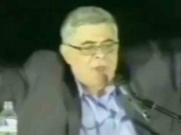 Βίντεο: Ο Μιχαλολιάκος, ο Κανάκης και το... κουνούπι!