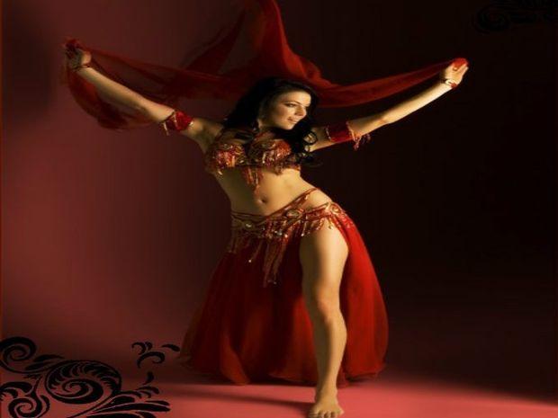 Lunar Dance: Αναδείξτε τη σέξι πλευρά σας χορεύοντας belly dance!