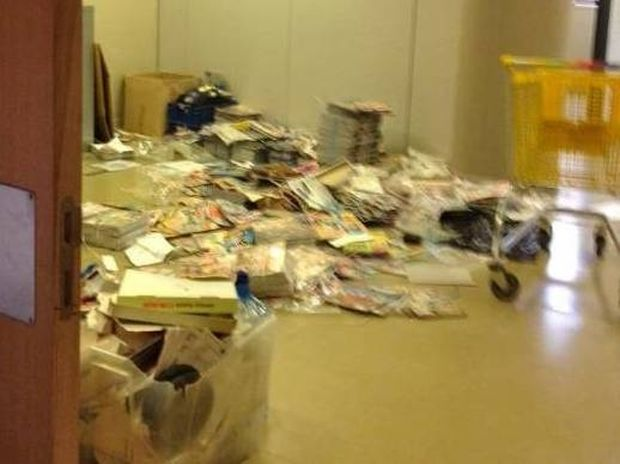 Φωτό: «Μπήκαμε» στο άδειο πάλαι ποτέ κραταιό μέγαρο Λυμπέρη!!! (Nassos Blog)
