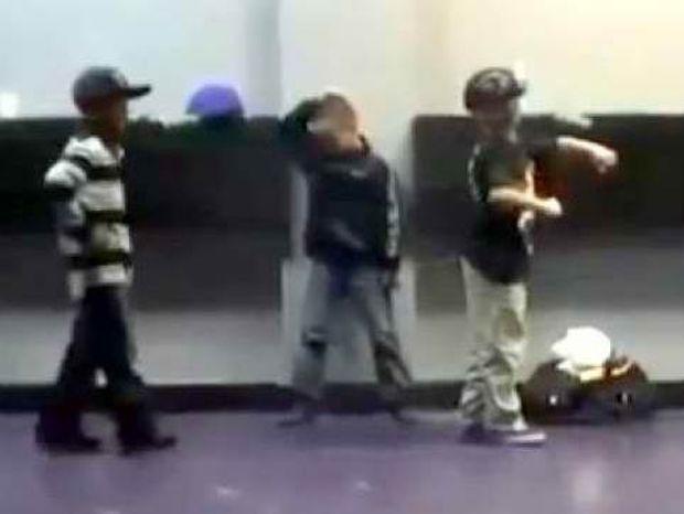 Βίντεο: Τύφλα να έχουν οι επαγγελματίες χορευτές!