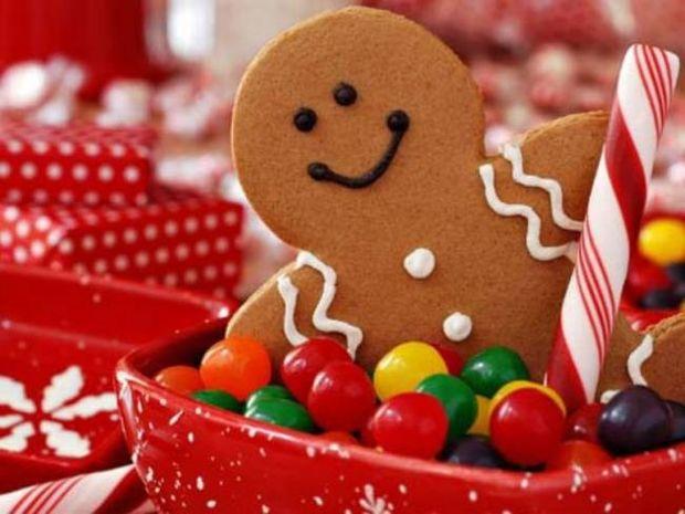 Αστεία χριστουγεννιάτικα δέντρα: Η κρίση μας κάνει ευρηματικούς!