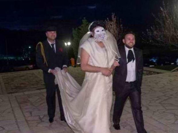 Πάτρα: Άλλη περίμεναν για νύφη και άλλη... έφθασε! (pics)