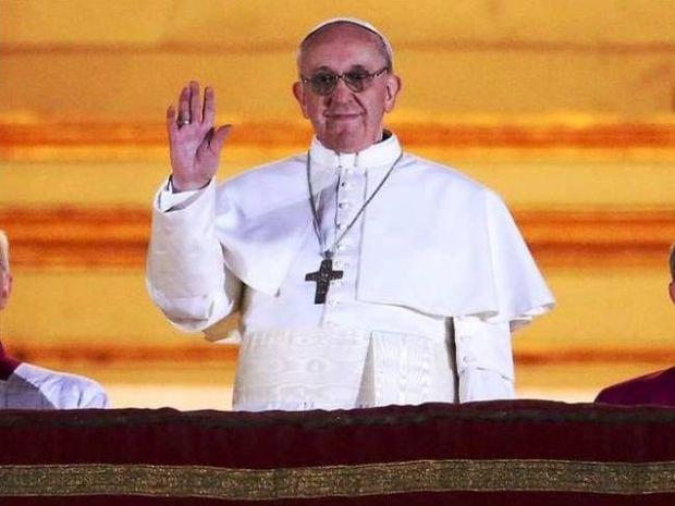 Πρώην «σεκιουριτάς» με αρραβωνιαστικιά ο Πάπας Φραγκίσκος