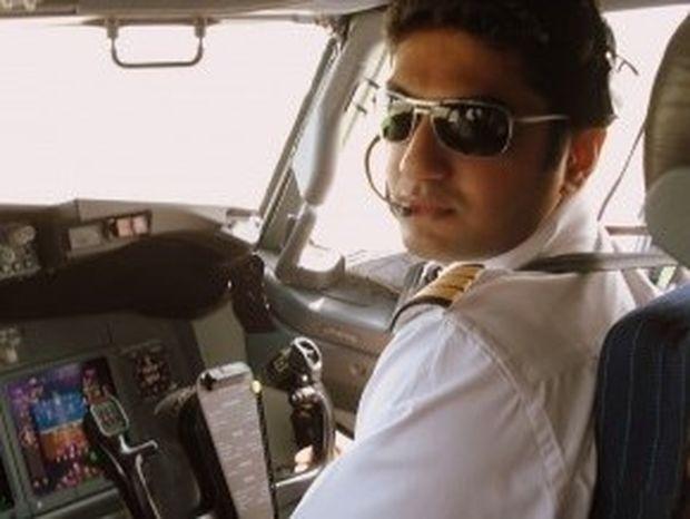 TΡΟΜΟΣ: Πιλότος κλειδώθηκε έξω από το πιλότήριο εν πτήσει και...