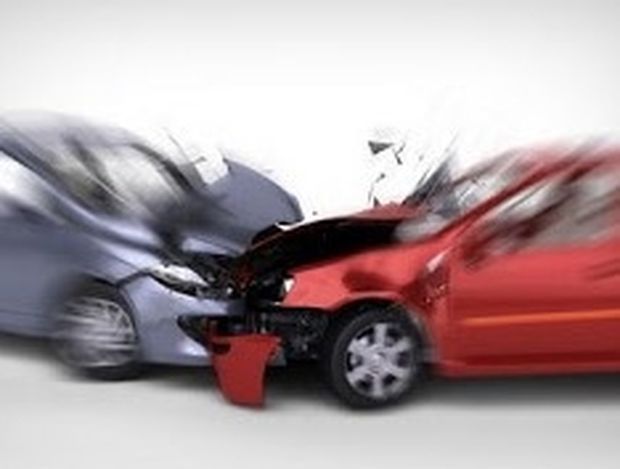 8 πράγματα που πρέπει να κάνουμε όταν δούμε ένα ατύχημα στο δρόμο