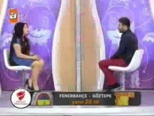 Δείτε τι έγινε σε Τούρκικη εκπομπή, επειδή κοπέλα φορούσε κοντή φούστα!