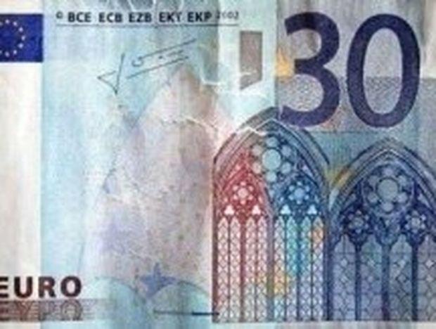 ΑΠΙΣΤΕΥΤΟ: Πελάτης πλήρωσε με πλαστό… 30ευρω χωρίς να τον πάρουν χαμπάρι!