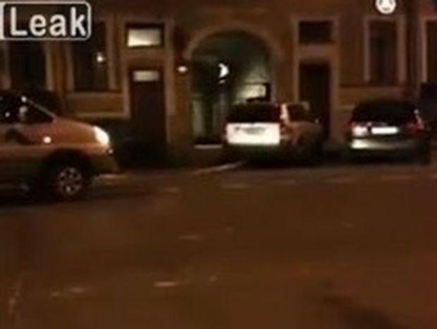 VIDEO: Σας έκλεισαν την είσοδο του γκαράζ; Ιδού η λύση...