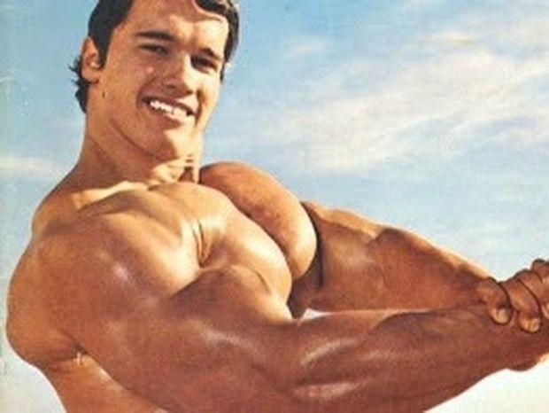 ΔΕΙΤΕ: Ο γιος του Arnold Schwarzenegger θέλει να φτιάξει το σώμα του πατέρα του!