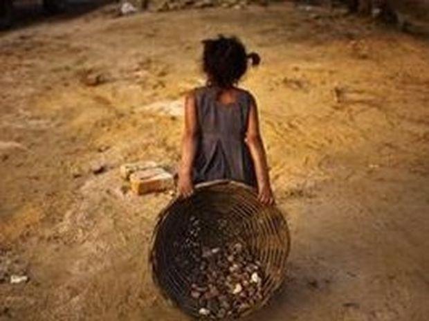 Σαν σκλάβοι δουλεύουν δέκα εκατομμύρια παιδιά σε όλο τον κόσμο
