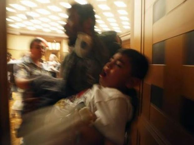 Συγκλονίζει η φωτογραφία του Μπεχράκη – Τον κατηγορούν ως προβοκάτορα