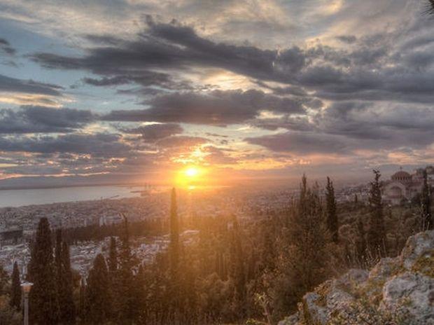 ΑΠΙΣΤΕΥΤΟ VIDEO: Η Θεσσαλονίκη όπως δεν την έχετε ξαναδεί...