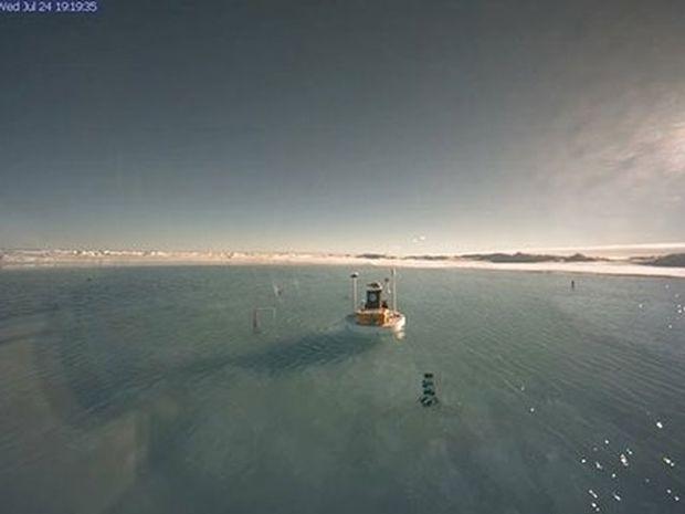 VIDEO: Κι όμως, ο Bόρειος Πόλος έγινε… λίμνη